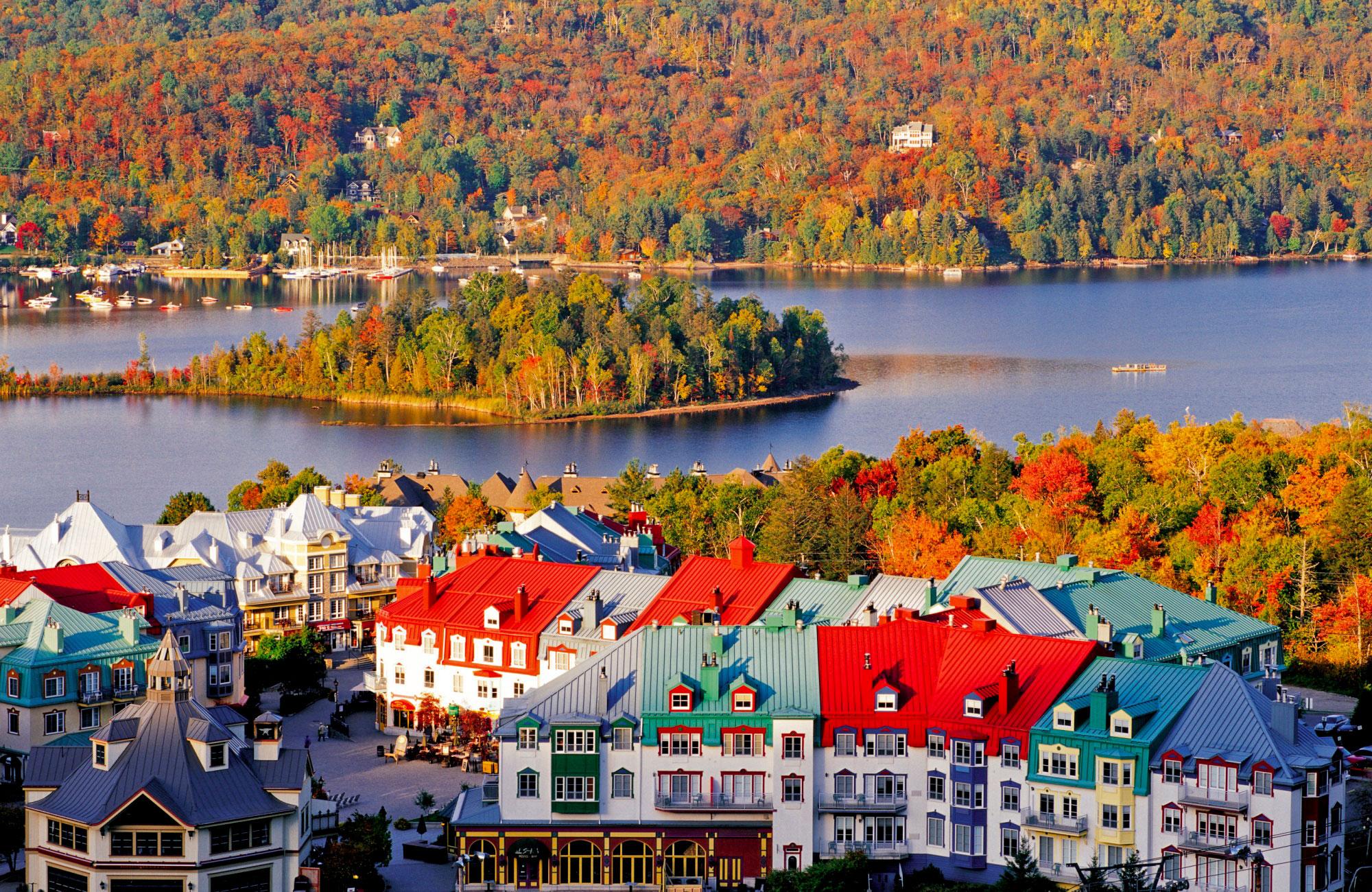 Mont-Tremblant en automne au Québec