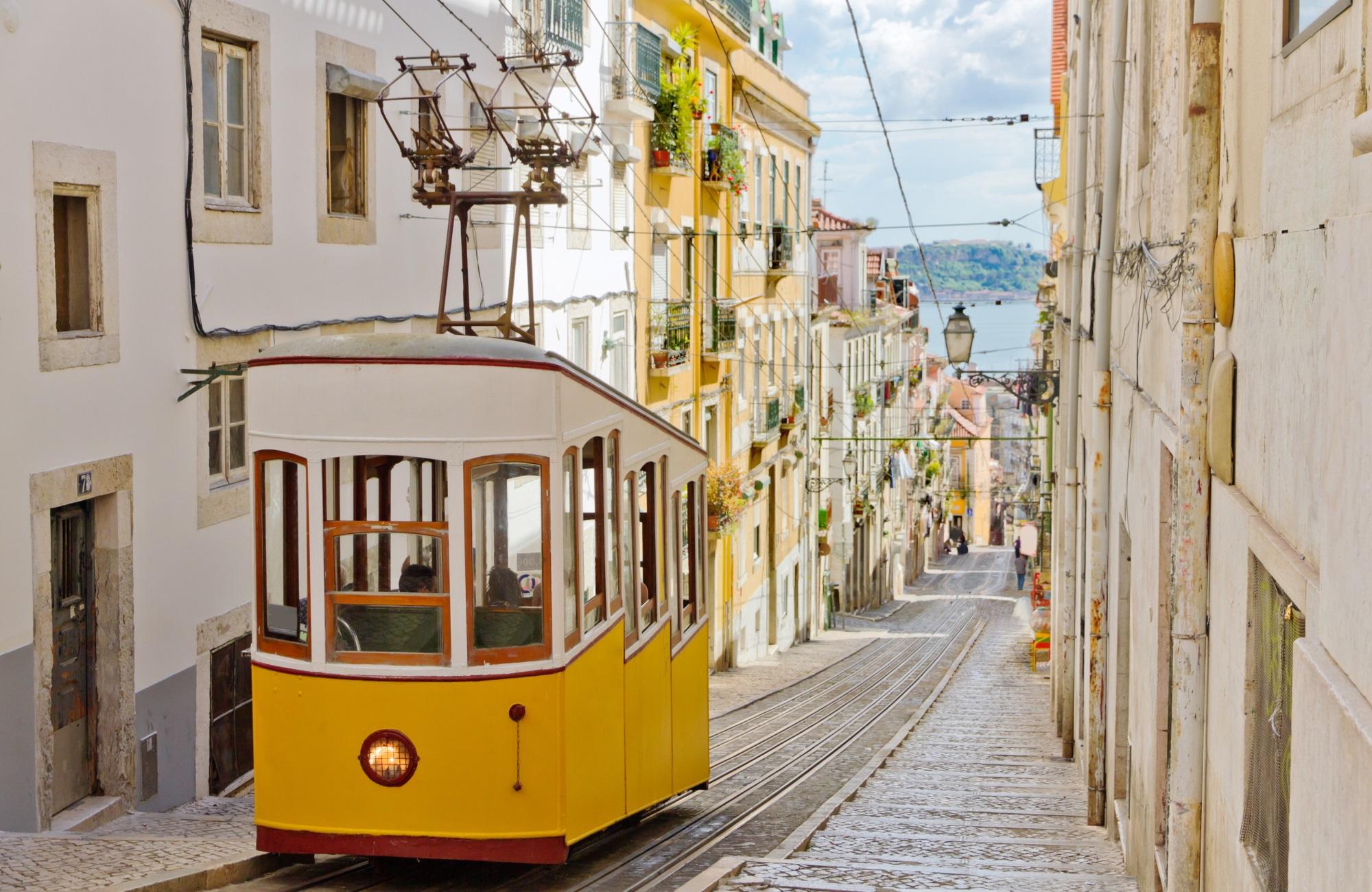 Week-end Lisbonne - Funiculaire de Gloria - Amplitudes