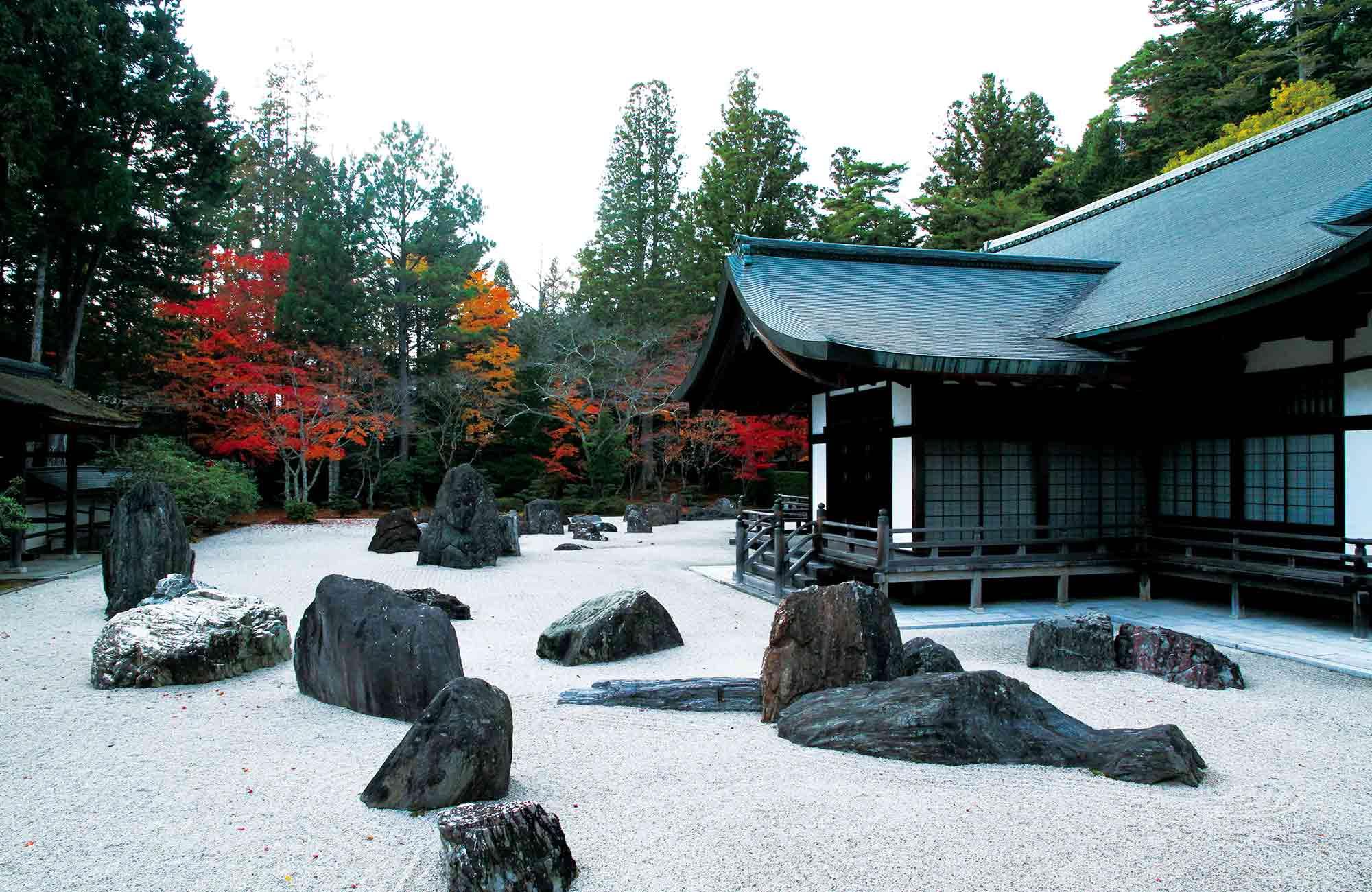 Découvrez l'art de vivre à adopter dans les ryokans, auberges traditionnelles et typiques du Japon.