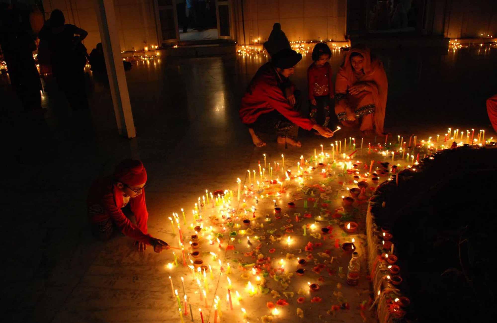 Diwali-Inde-Amplitudes
