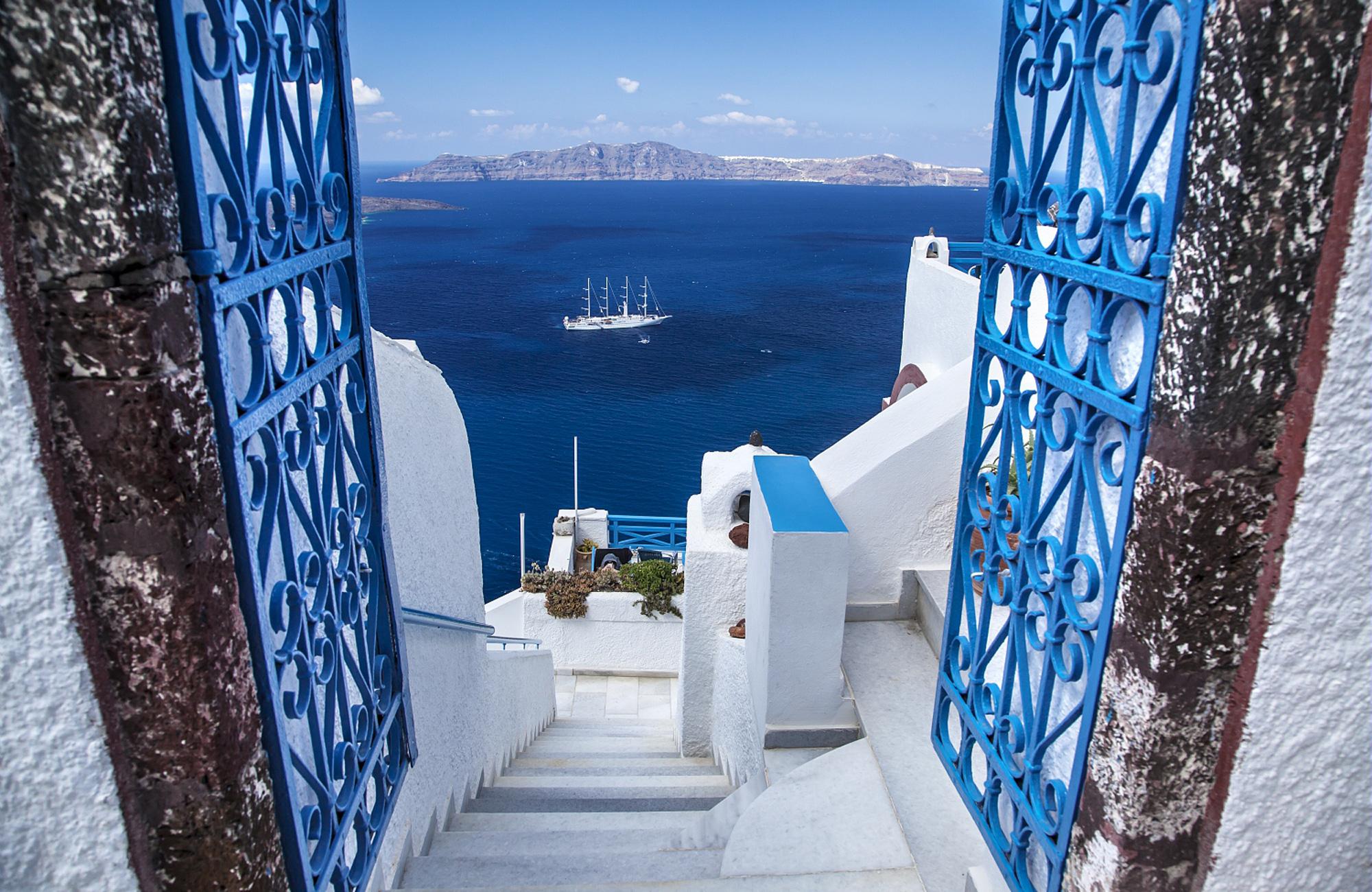 santorin-grece-bateau-amplitudes
