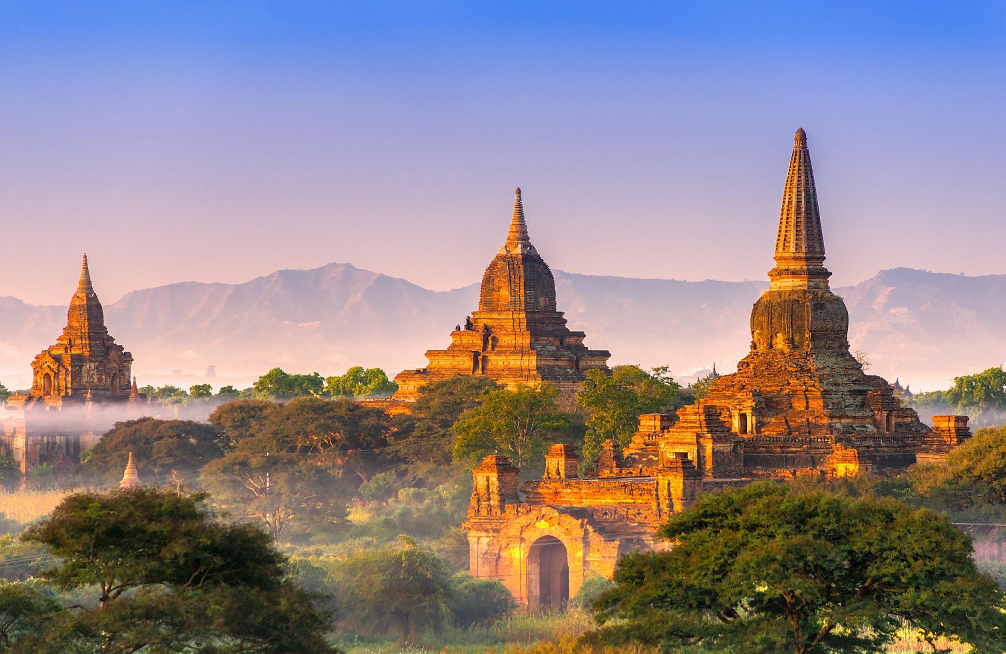 Birmanie-bagan-coucher-soleil-Amplitudes