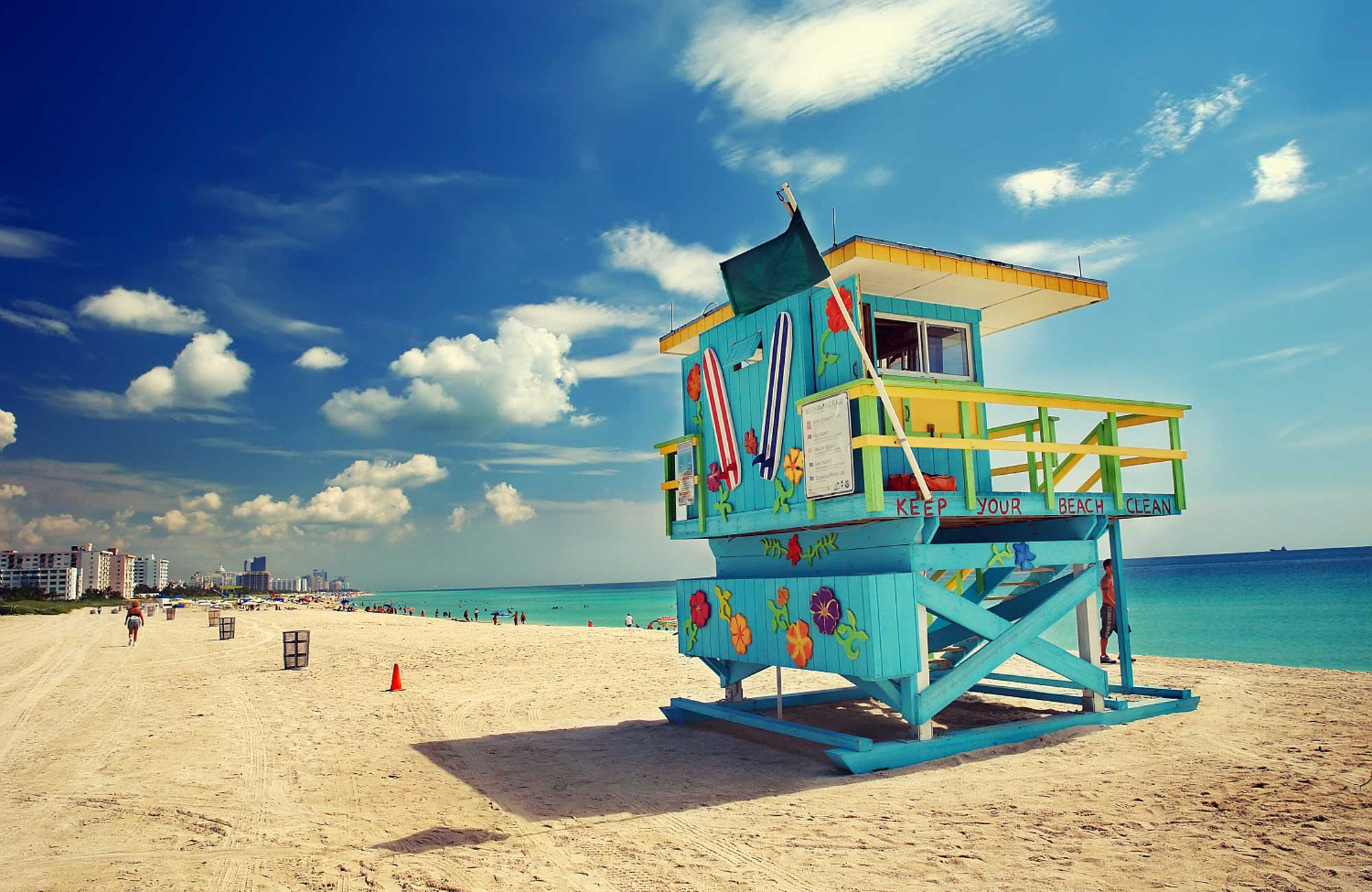 Miami-Beach-cabanes-Amplitudes