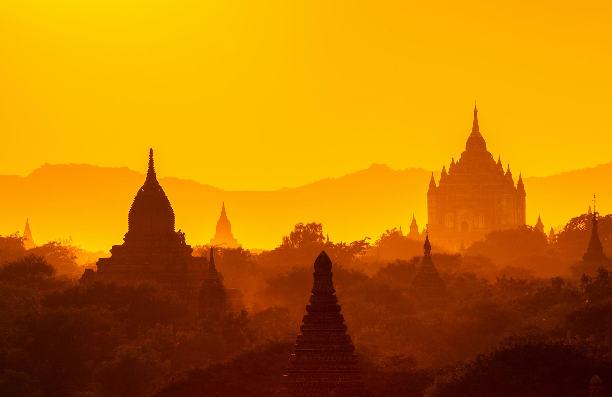 Golden hour à Bagan au Myanmar par Amplitudes