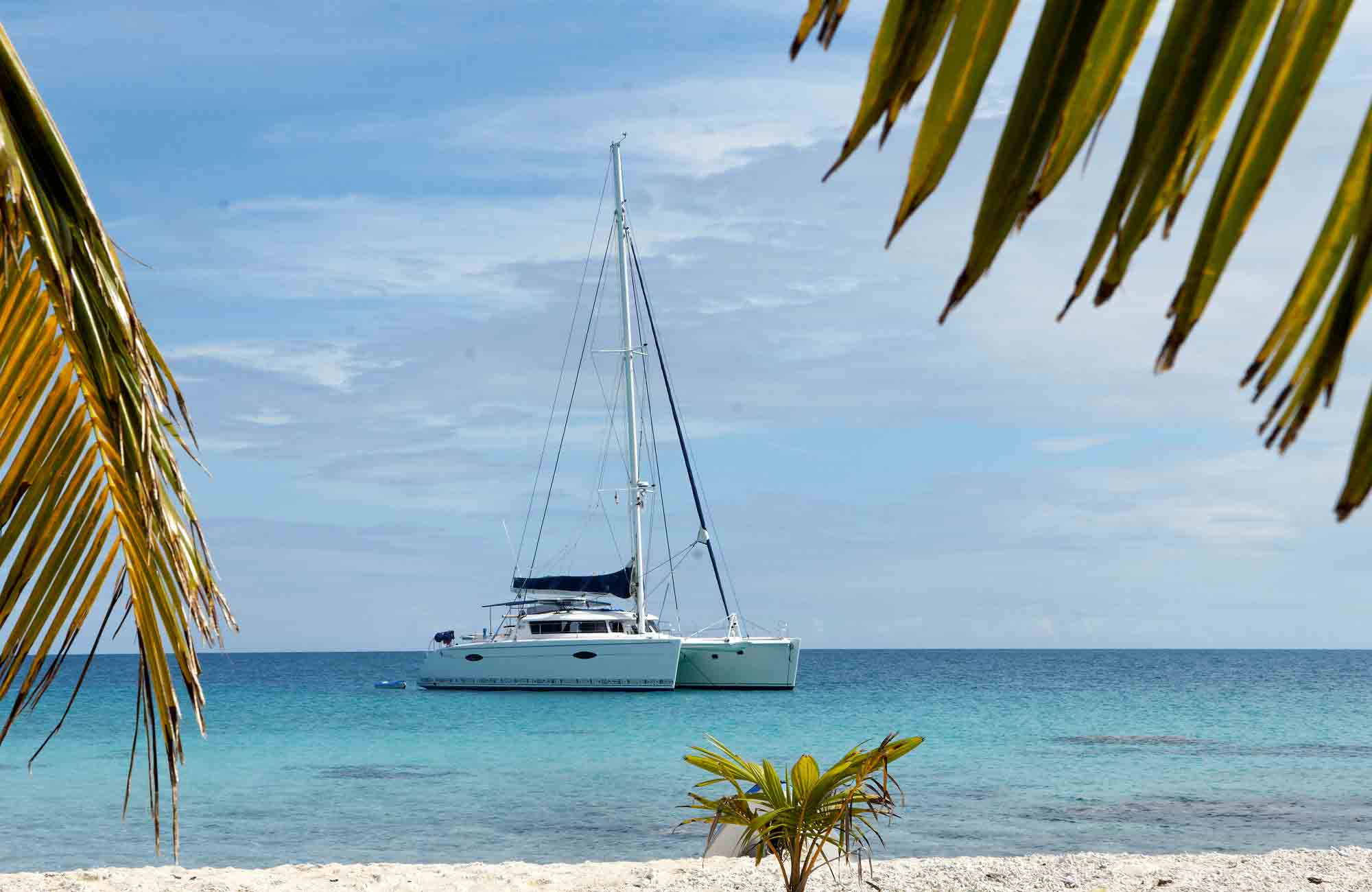 Croisière catamaran eleuthera 60 avec Amplitudes en Indonésie
