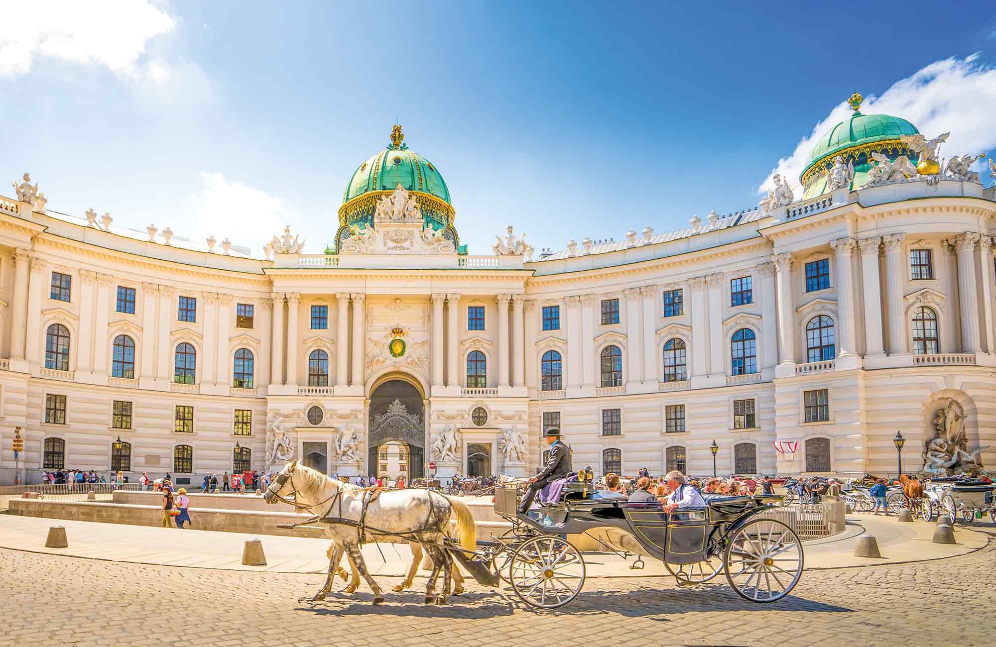 palais hofburg à vienne du film Le Chateau Ambulant lieu qui a inspiré Miyazaki