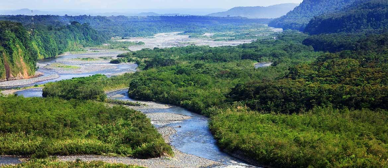 Vue du Rio Napo en Amazonie equatorienne par Amplitudes