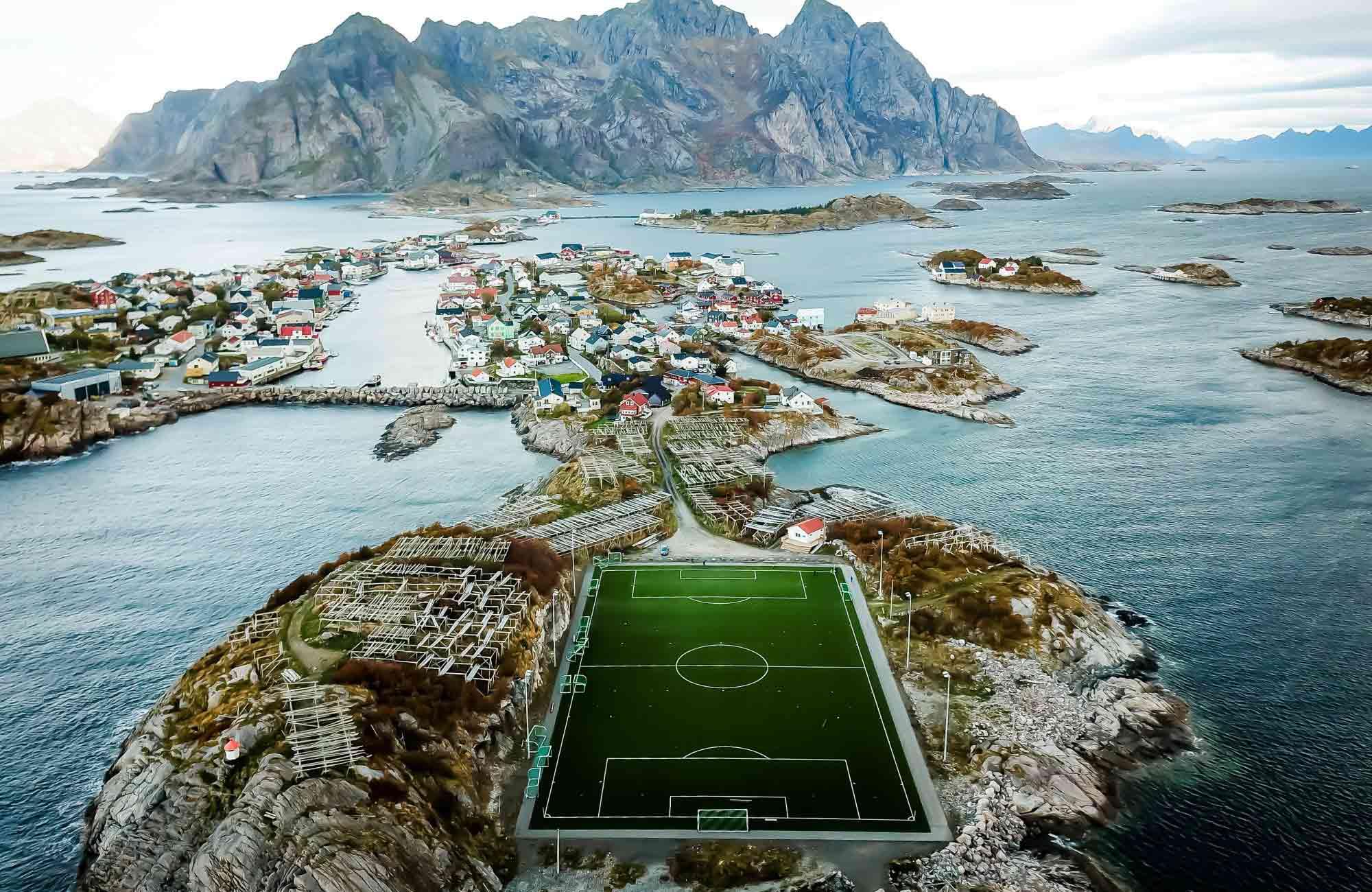 Voyage Norvège - Henningsvær-Stadion - Amplitudes