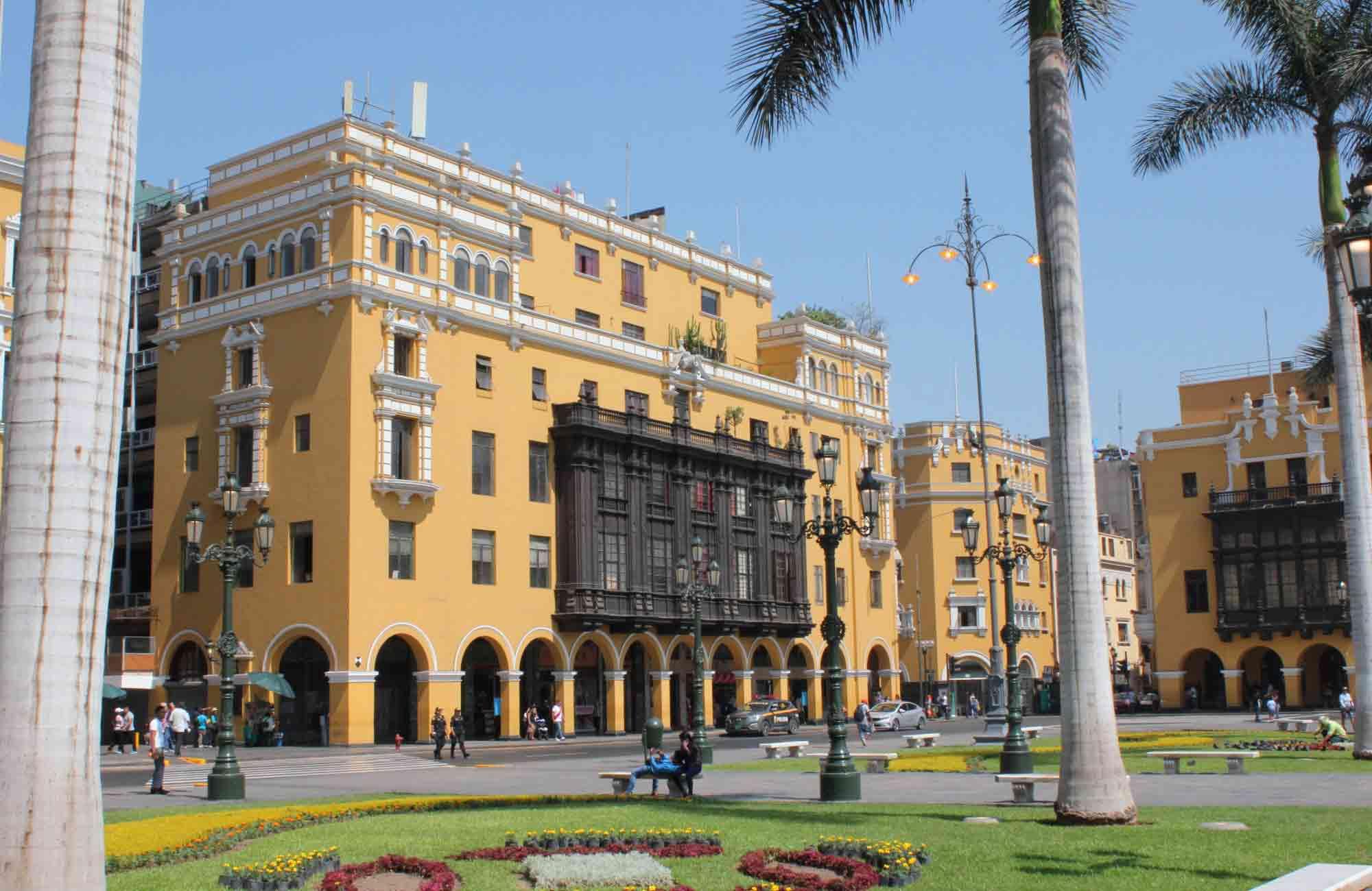 Voyage Pérou - Lima Plaza da Armas - Amplitudes