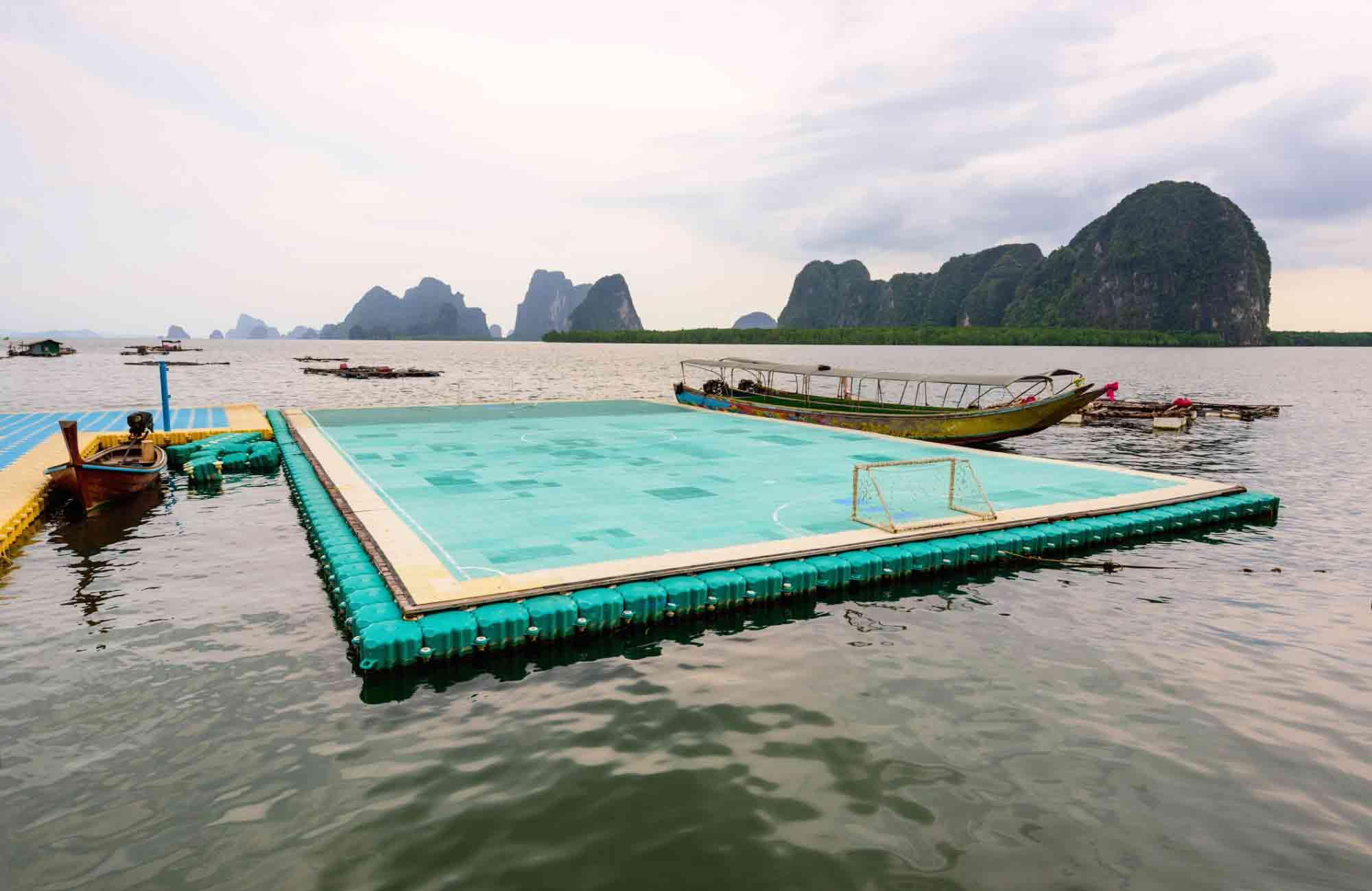 Surprenant, le terrain flottant de Koh Pan Yi