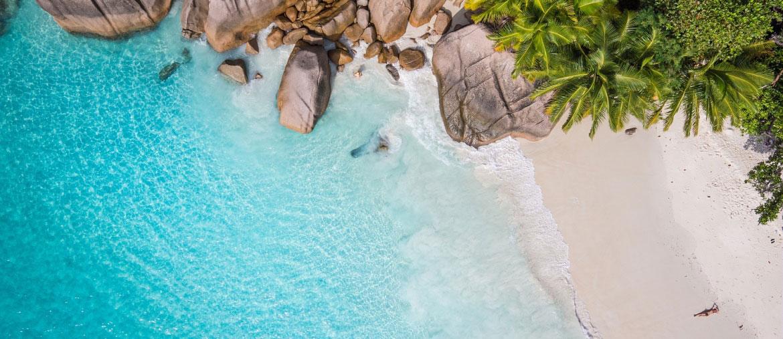 Voyage Seychelles - Plage vue du ciel - Amplitudes