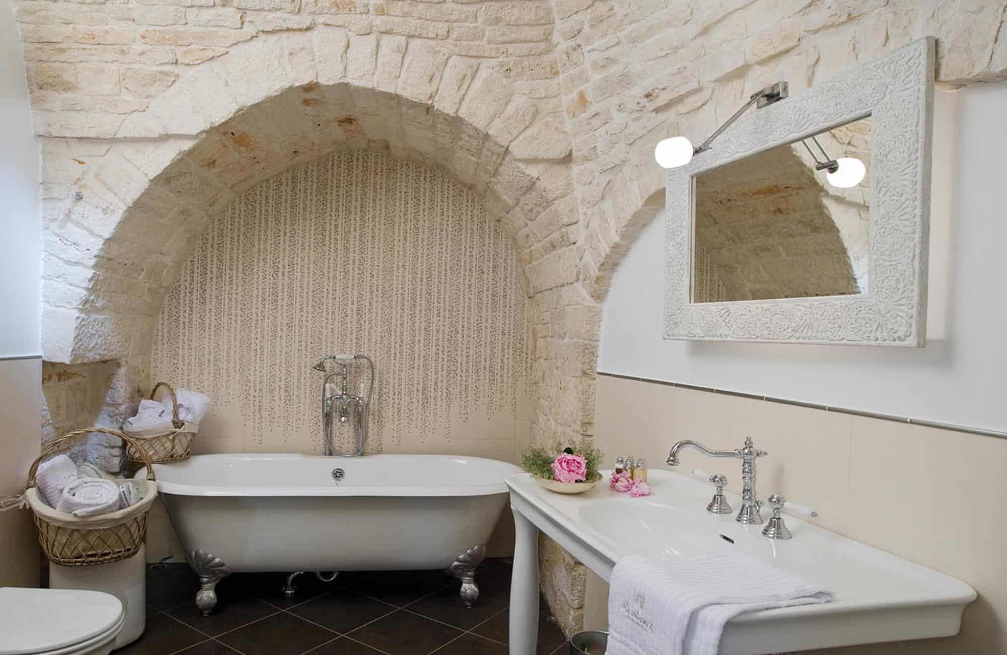 Voyage dans les Pouilles - Salle de bain Le Alcove - Amplitudes