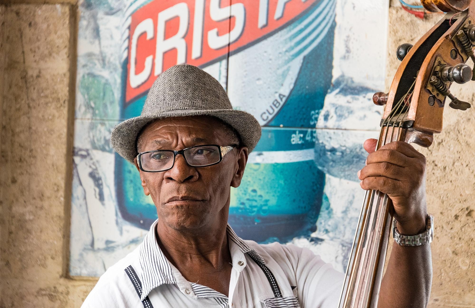 Voyage- Musicien dans un bar - Cuba- Amplitudes