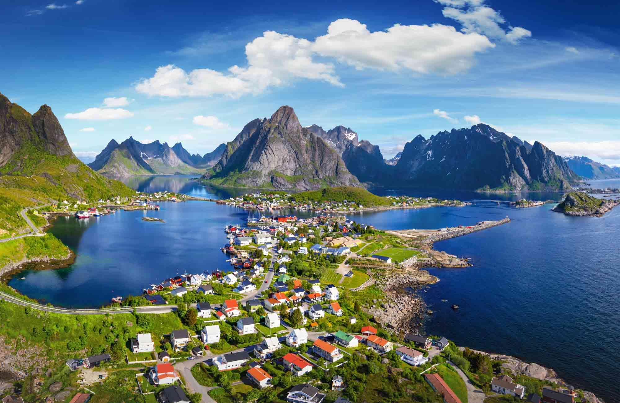 Voyage Norvège - Reine dans les Lofoten - Amplitudes