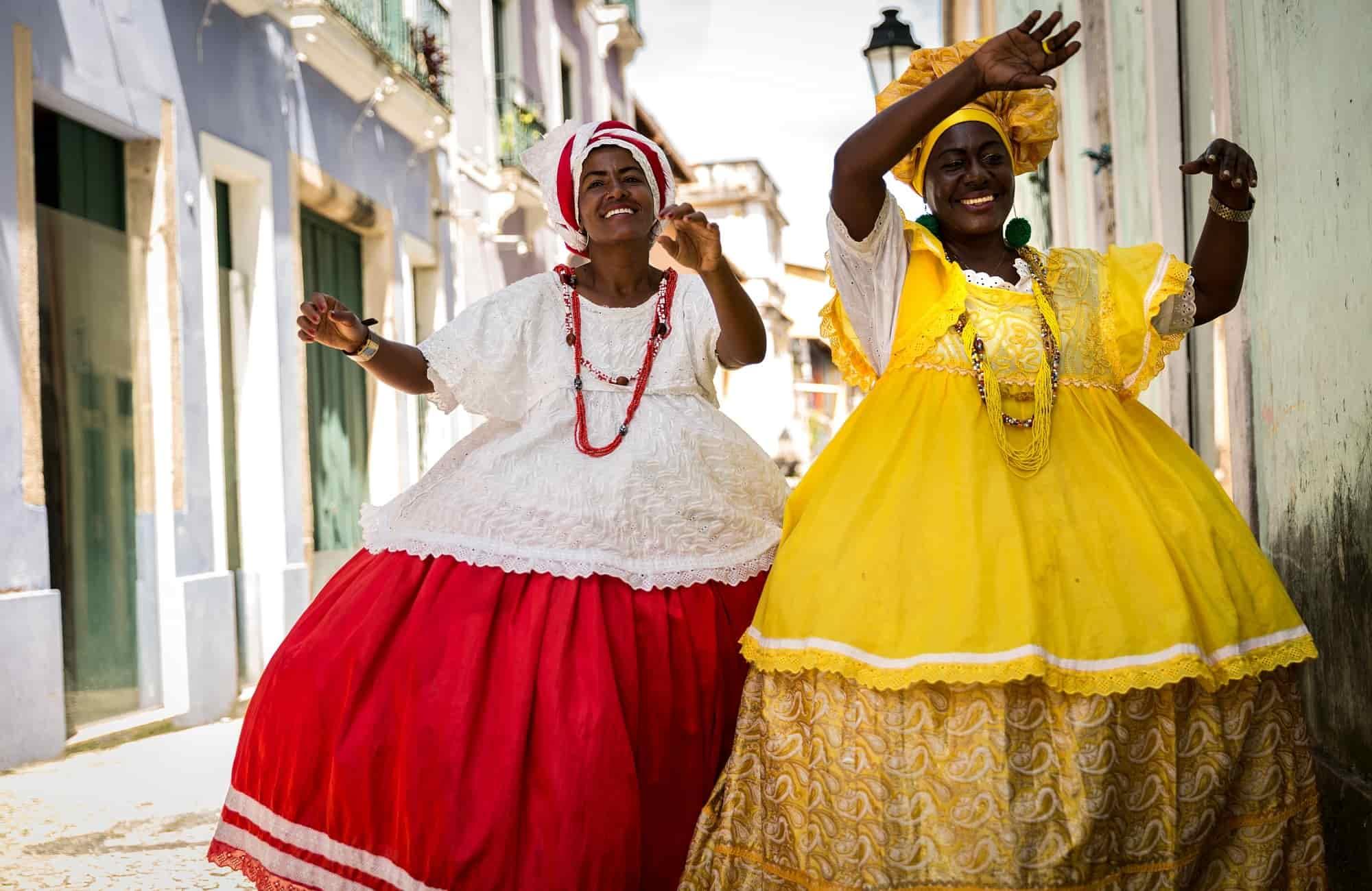Voyage Brésil - Femmes en costumes Salvador de Bahia - Amplitudes
