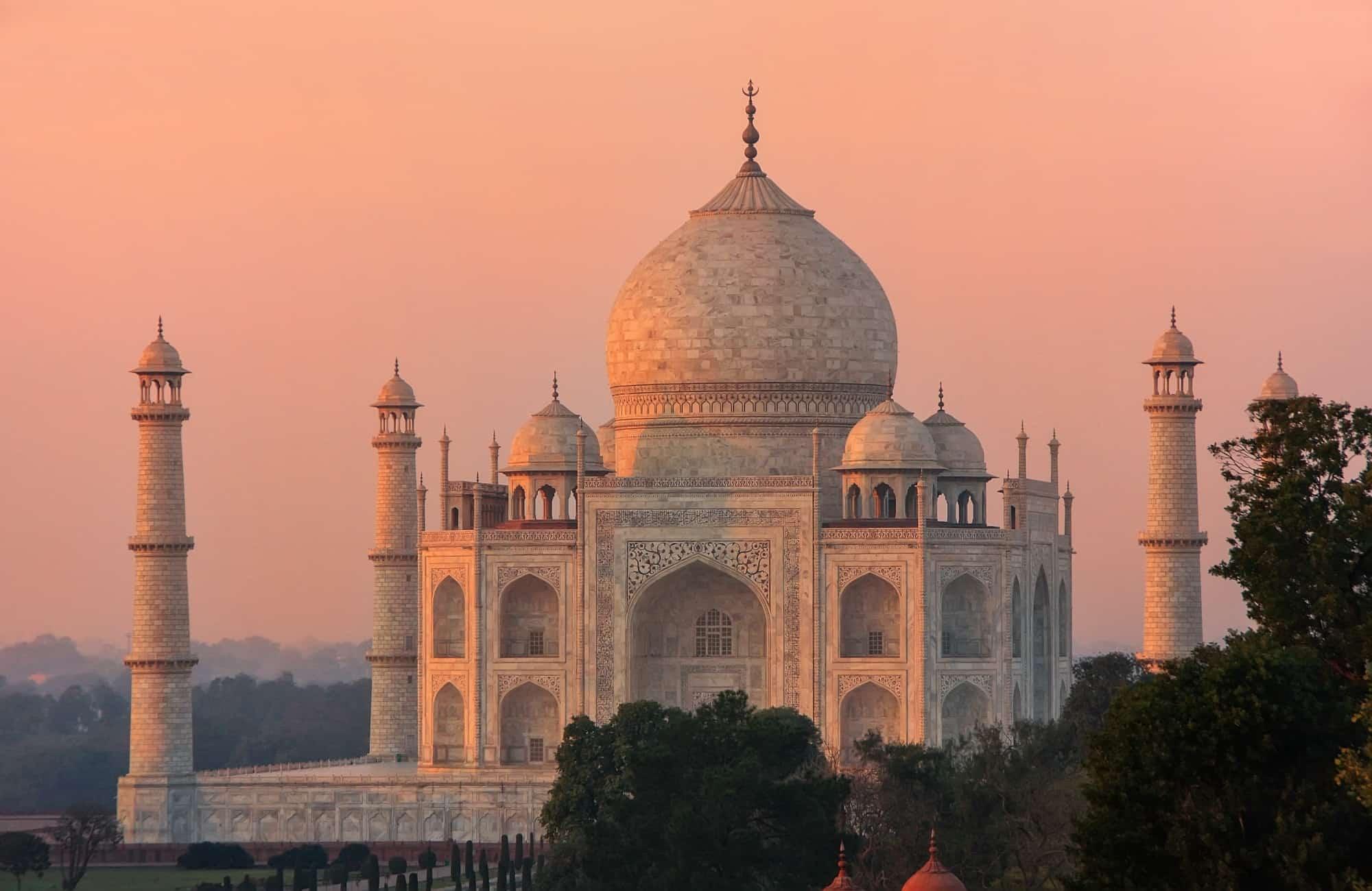 Vue sur le mausolée Taj Mahal