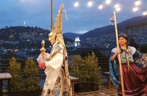 Sur la terrasse du bel hôtel, les locaux nous offrent un très beau spectacle