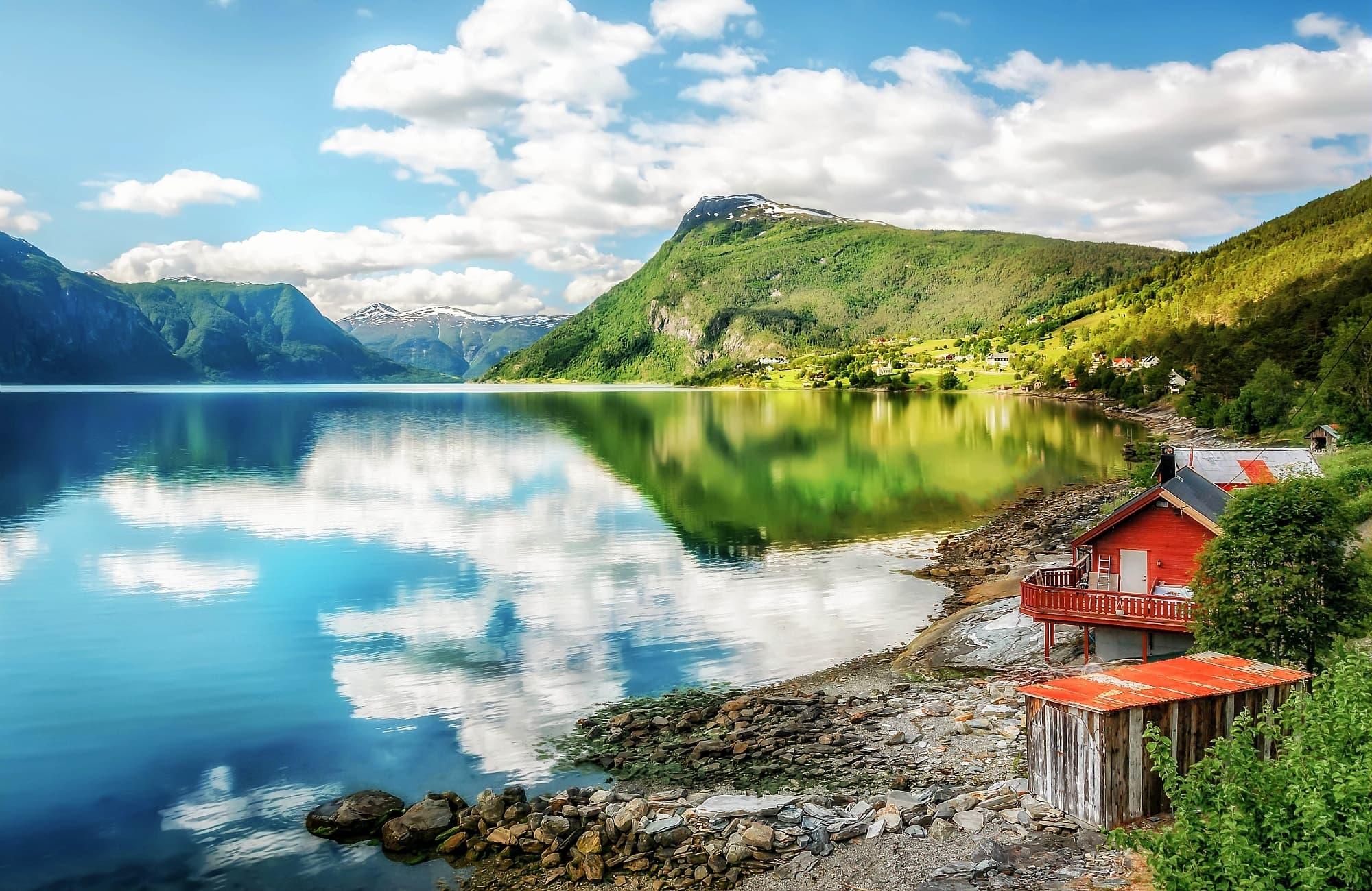 De beaux espaces, perdus dans les fjords de Norvège
