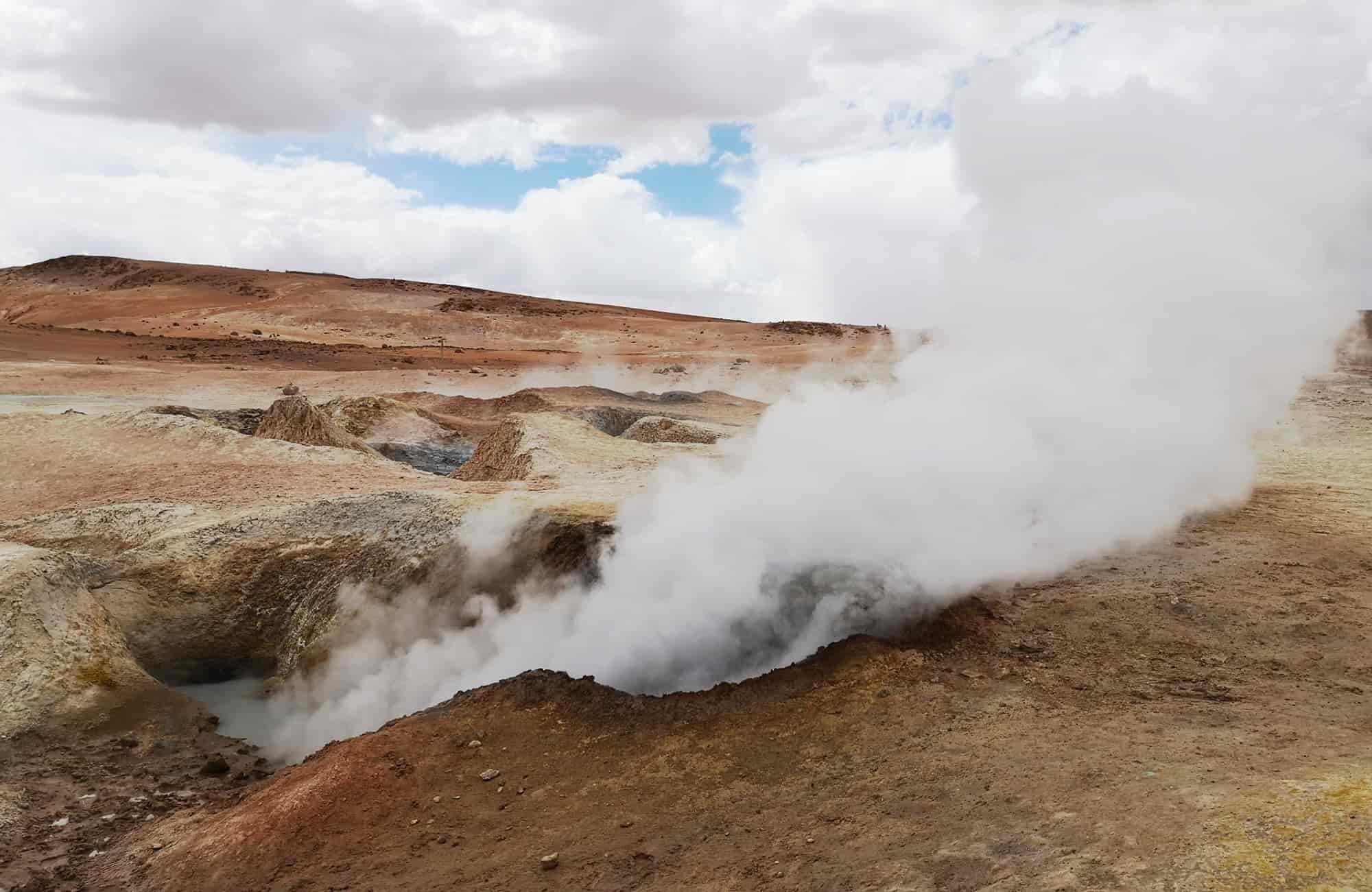 Dans le Sud Lipez gisent les geysers de Sol de Manana. Un paysage post-apocalyptique incroyable !