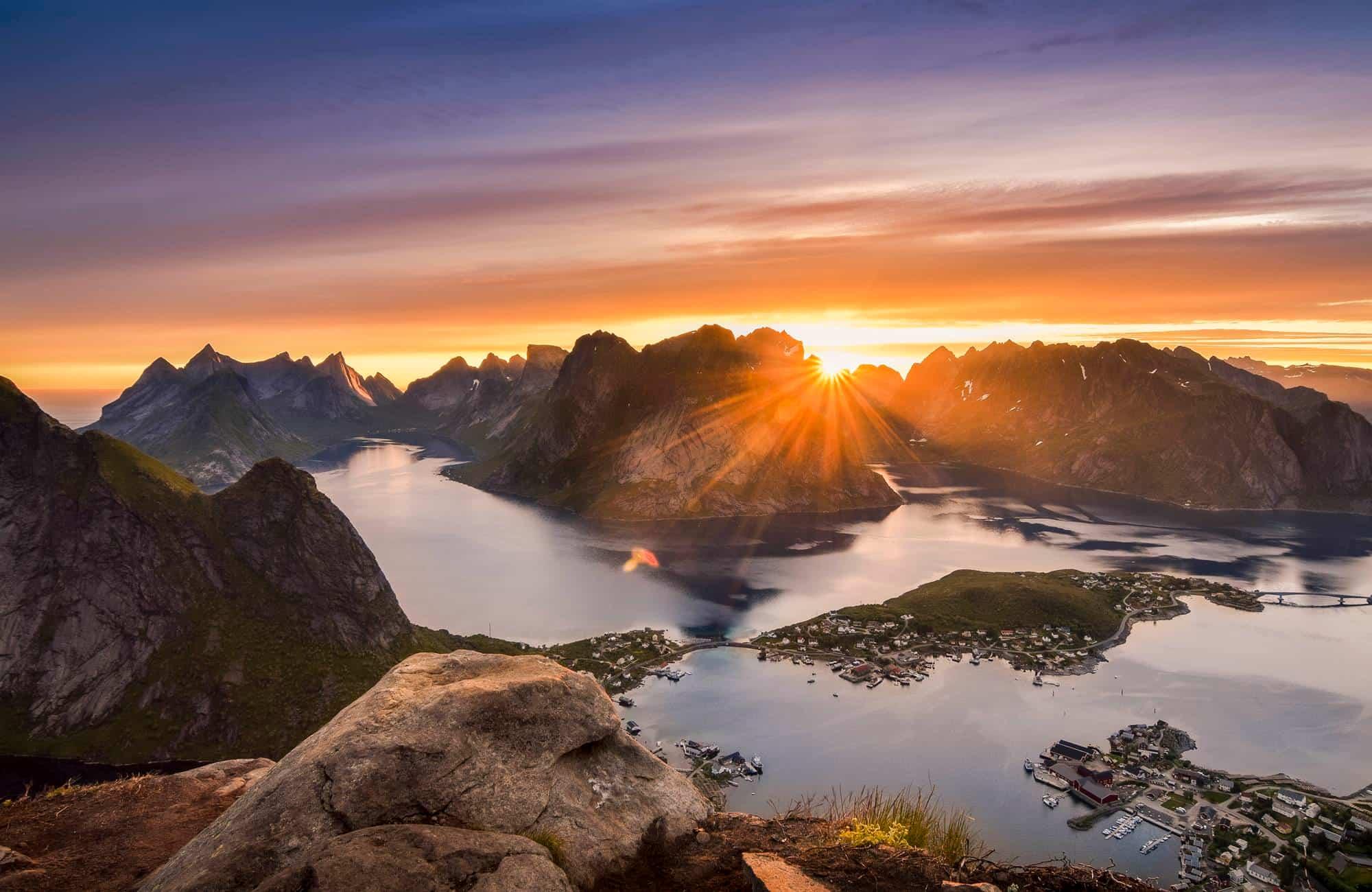 Voyage en Norvège - les îles Lofoten sous le soleil de minuit - Amplitudes
