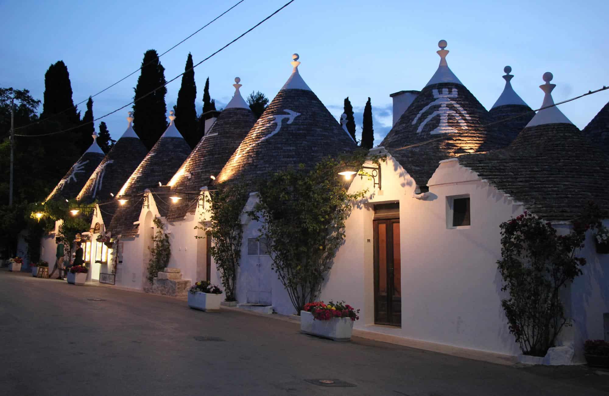 Voyage en Italie - Alberobello de nuit - Amplitudes