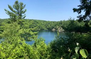 Voyage Québec - Lac Pink Parc Gatineau - Amplitudes