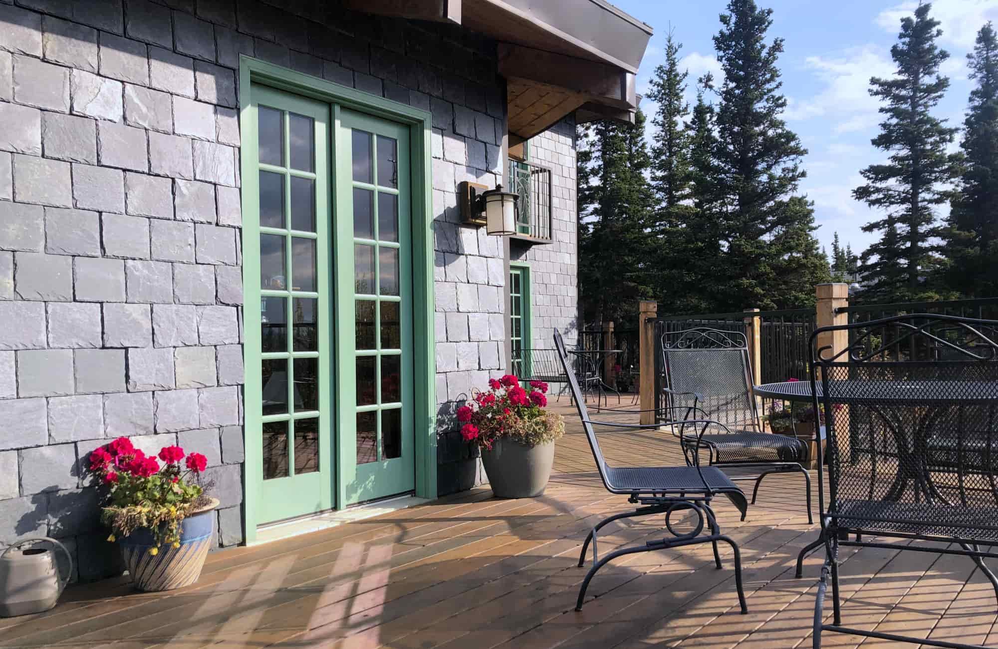 Voyage Alaska - Lodge at Black Rapids - Amplitudes