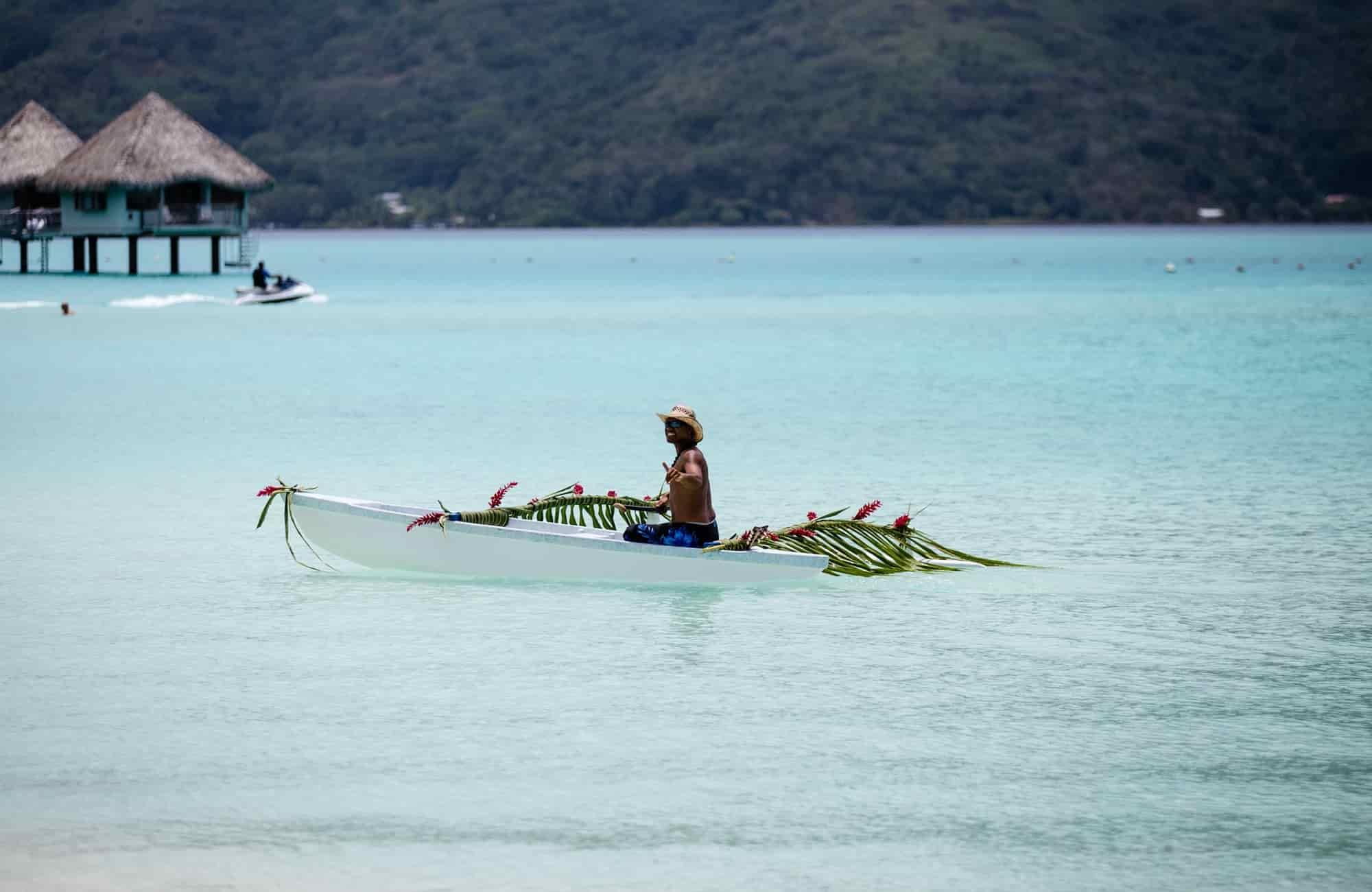 Voyage Polynésie - Pirogue Bora Bora - Amplitudes