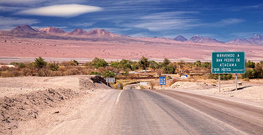 Route vers San Pedro de Atacama, desert Atacama - Chili