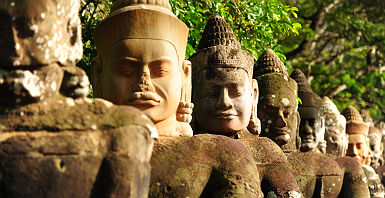 Statues à Angkor Thom - Cambodge