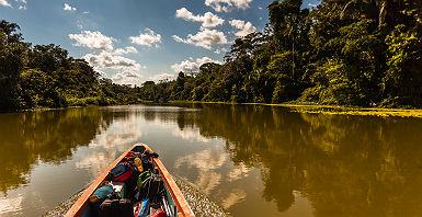 Equateur - Traversée en bateau de la lagune Limoncocha  au sein de l' Amazonie