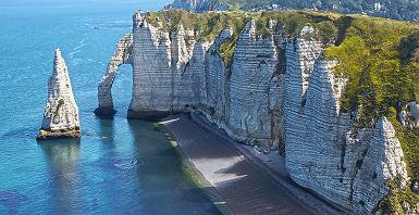 Les falaises d'Etretat en Normandie - France