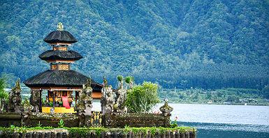 Bali - Vue sur le temple Pura Ulun Danu sur le lac Beratan
