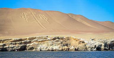 Chandelier des Andes gravé sur une Colline de Paracas