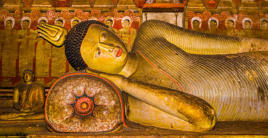 Sri Lanka - Statue de bouddha dans le temple d'or de Dambulla