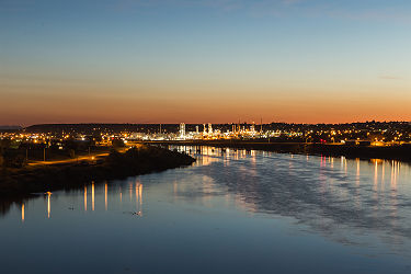 /images/naga/City lights of Great Falls, Montana over the Missouri River